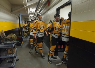The Sting get set to git the ice in their third jerseys.